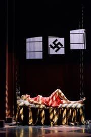 Szenenbild aus «Cabaret» am Theater Konstanz. (Bild: Bjørn Jansen)