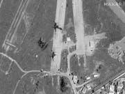 Bei früheren Raketenangriffen wurde bereits der Flughafen Mitiga bei Tripolis getroffen. (Bild: KEYSTONE/AP Satellite image ©2019 Maxar Technologies)