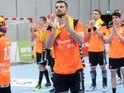 Lange Gesichter bei den Spielern der Kadetten Schaffhausen nach der Playoff-Startniederlage gegen den RTV Basel (Bild: KEYSTONE/MARCEL BIERI)