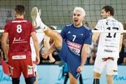 Lausannes Dennis Del Valle freut sich überschwänglich über einen Punkt im zweiten Finalspiel. (Bild: Laurent Gillieron/KEY, Lausanne, 14. April 2019)