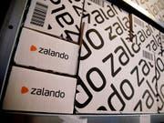 Zalando hat im renditeschwachen ersten Quartal die Anleger mit einem Gewinn positiv überrascht. (Bild: KEYSTONE/AP/MICHAEL SOHN)