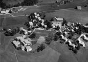 Luftbild des Kinderdorf Pestalozzi in Trogen, 1962. (Bild: Schweizerisches Militär, Flugdienst)