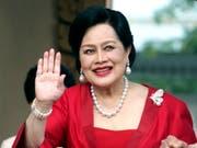 Wegen Fiebers im Spital: Thailands langjährige Königin Sirikit (86). (Bild: KEYSTONE/EPA/STR)