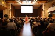Der Präsident der Ortsbürgergemeinde, Claudio Vuono (Mitte) betonte den Stellenwert der Kultur in Rorschach. (Bild: Lena Müntener)