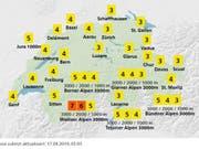 Der UV-Index von MeteoSchweiz vom 17.4. zeigt auch im Flachland Intensitäten von 3 bis 4. Das bedeutet: Schutz erforderlich (Hut, T-Shirt, Sonnenbrille, Sonnencreme). (Grafik Meteoschweiz) (Bild: MeteoSchweiz)