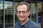 Urs Müller, Kandidat fürs Rheinecker Stadtpräsidium: «Mit Humor lässt sich viel aufbrechen.» (Bild: Gert Bruderer)