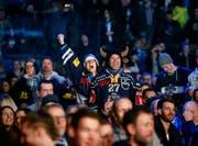 Nach dem Cupgewinn (im Bild das Public Viewing in der Bossard Arena) nun der Meistertitel? Hopp Zug! (Bild: Stefan Kaiser, 3. Februar 2019)