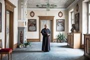 Bischof Vitus Huonder im Bischofssitz in Chur. An Ostern, wenn er seinen 77. Geburtstag feiert, gibt er sein Amt ab. (Bild: Manuela Jans-Koch, 12. April 2019)