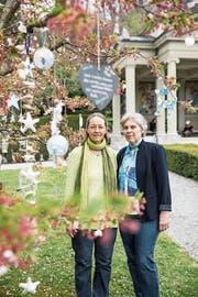 Bettina Tunger und Brigitte Amrein am Kinderfeld im Friedental. (Bild: Manuela Jans-Koch, Luzern, 11. April 2019)