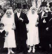 Margrit Knie (links) empfing Dr. Hans Gantenbein und Ehefrau Draga im Jahr 1972 im Wohnwagen. (Bild: Archiv Circus Knie)