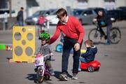 Auf dem Marktplatz fand sich auch ein Geschicklichkeitsparcours. (Bild: PD)
