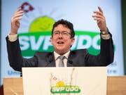 SVP-Präsident Albert Rösti will aufgrund der Verluste seiner Partei bei den jüngsten kantonalen Wahlen in Zukunft besser kommunizieren. (Bild: KEYSTONE/GIAN EHRENZELLER)