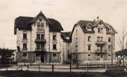 Die Häuser Rehetobelstrasse 15 und 17. Sie wurden 1904 und 1905 gebaut. Äusserlich haben sie sich bis heute wenig verändert. Im linken Gebäude ist das Restaurant Rennbahn untergebracht.