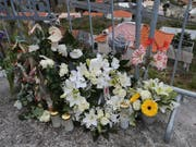 Deutsche Touristen, die bei einem Busunfall auf Madeira verletzt wurden, werden mit einem Flugzeug der Bundeswehr nach Deutschland geflogen. (Bild: KEYSTONE/AP/ARMANDO FRANCA)