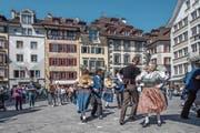 Verschiedene Stile und verschiedene Generationen, aber eine gemeinsame Leidenschaft: Tanzen. An fünf Luzerner Plätzen zeigten Formationen aus dem ganzen Kanton ihr Können. (Bild: Pius Amrein (Luzern, 20. April 2019)
