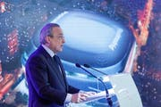 epa07480155 Real Madrid's President Florentino Perez delivers a speech during the presentation of remodeling project of Santiago Bernabeu Stadium in Madrid, Spain, 02 April 2019. The remodeling of the stadium and its surroundings will affects an area of 82,807 square meters. EPA/Emilio Naranjo