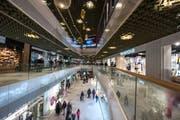 Die Mall of Switzerland ist mit 65'000 Quadratmetern das grösste Einkaufszentrum der Region. (Bild: Dominik Wunderli, Ebikon, 8. November 2017)
