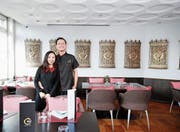 Serene Chan und Siow Kee Min betreiben neu das Restaurant an der Langgasse 4. (Bild: Stefan Kaiser, Baar, 18. April 2019)