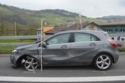 Das stark beschädigte Auto. (Bild: Kapo Nidwalden/PD)