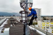 Telekomanbieter machen vorwärts mit dem Bau von 5G-Antennen. Bild: Keystone (Chêne-Bougeries, 5. April 2019)