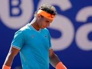 Hat seine Topform auf Sand noch nicht gefunden: Rafael Nadal (Bild: KEYSTONE/AP/MANU FERNANDEZ)