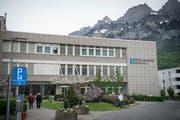 Die Initianten der Petition setzen sich für den Erhalt des Spitals Walenstadt ein. (Bild: Ralph Ribi)