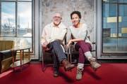 Hans Jürg Müller und Jessica Cuna in den Kulissen des Stücks «Sterben helfen» in der Lokremise St.Gallen. (Bild: Urs Bucher)