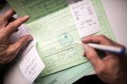 Anstelle des grünen Ausfuhrscheins wird derzeit in Berlin die Einführung einer sogenannten Bagatellgrenze geprüft. (Bild: Benjamin Manser)