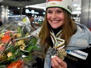Corinne Suter war mit ihren beiden WM-Medaillen die Aufsteigerin von Swiss-Ski in dieser Saison (Bild: KEYSTONE/WALTER BIERI)