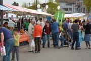 Der 1. Regio-Genussmarkt im Jahre 2015 beim Bazenheider Bahnhof war ein Erfolg. Die Fortsetzung findet am 4. Mai beim Schulhaus Eichbüel in Bazenheid statt. (Bild: PD)
