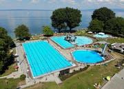 Das Schwimmbad Arbon im Hochsommer. So wird es am Eröffnungstag nicht aussehen. (Bild: Reto Martin/27.7.2018)