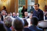 Der französische Präsident Emmanuel Macron bei seiner gestrigen Rede. (Bild: Ian Langsdon/EPA (Paris, 25. April 2019))
