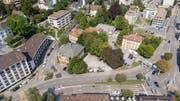 Auf dem Areal hinter der offenen Kirche (das Gebäude mit dem Gesicht) will der Kanton einen neuen Campus für die Universität St.Gallen bauen. Am 30. Juni wird darüber abgestimmt. (Bild: Urs Bucher - 28. August 2018)