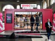 Valora erhält von SBB Zuschlag für 262 Kiosk-Standorte. (Bild: KEYSTONE/WALTER BIERI)