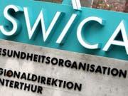 Die Krankenkassengruppe Swica hat 2018 wegen Einbruch am Aktienmarkt weniger Gewinn gemacht. (Bild: KEYSTONE/WALTER BIERI)