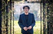 Der Schriftsteller Usama Al-Shahmani im botanischen Garten in Frauenfeld. (Bilder: Reto Martin)