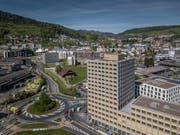 Blick auf die Stadt Kriens mit der Überbauung Mattenhof im Vordergrund rechts. (Bild: Pius Amrein, 25. April 2019)