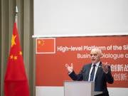 «Es ist wohl das grösste Investitionsprojekt unseres Jahrhunderts»: Bundespräsident Ueli Maurer zur geplanten «Neuen Seidenstrasse». (Bild: KEYSTONE/KEYSTONE POOL/ENNIO LEANZA)