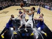 DeMar DeRozan und die San Antonio Spurs erzwangen gegen die Denver Nuggets ein entscheidendes 7. Spiel (Bild: KEYSTONE/AP/ERIC GAY)