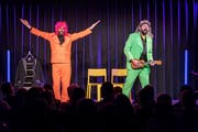 Sepp Manser (links) und Nico Arn als «Comedy mit Bart», hier im Kulturforum Amriswil. (Bild: Michel Canonica)