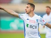 João Oliveira freut sich nach seinem frühen Tor zum 1:0 (Bild: KEYSTONE/JEAN-CHRISTOPHE BOTT)