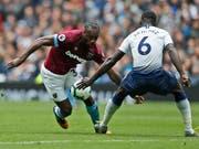 West Hams Michail Antonio (links) zieht hier an Tottenhams Davinson Sanchez vorbei (Bild: KEYSTONE/AP/ALASTAIR GRANT)