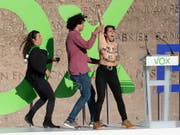 Nackter Protest einer Femen-Aktivistin gegen die rechtsradikale Partei Vox kurz vor der Parlamentswahl in Spanien. (Bild: KEYSTONE/AP/BERNAT ARMANGUE)