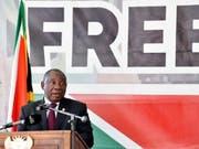 25 Jahre nach dem Ende der Apartheid in Südafrika hat Präsident Cyril Ramaphosa auf die Probleme im Land hingewiesen. (Bild: KEYSTONE/EPA/ELMOND JIYANE)