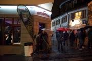 Trotz Regen waren viele Menschen in den Gassen unterwegs. (Bild: Adriana Ortiz Cardozo)