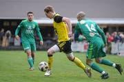 Tobias Kirschenhofer (am Ball) erzielt die 1:0-Führung für den FC Altdorf. (Bild: Urs Hanhart, Altdorf, 17. März 2019)