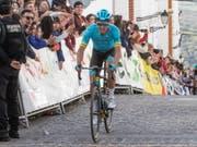Der Däne Jakob Fuglsang hat den Klassiker Lüttich-Bastogne-Lüttich und damit sein erstes «Radsport-Monument» gewonnen (Bild: KEYSTONE/EPA EFE/ROMAN RIOS)