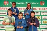Die Gesamtklassement-Sieger: Matthias Herren, Sara Gantenbein (hinten von links), Jonas Eggenberger, Nick Zingg und Aron Brander (vorne von links). (Bild: Robert Kucera)