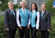 Erstmals präsentierte sich die Musikgesellschaft Sevelen der Öffentlichkeit in der neuen Uniform. Dies geschah im Rahmen des Frühlingskonzertes. Irene Gantenbein, Rahel Müller, Ramona Saxer und Jeannette Hofmänner als Mitglieder des Konzert-Organisationskomitees zeigen hier die zwei Tragvarianten.