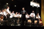 Die Stadtharmonie unter der Leitung von Jordie Bertran-Sastre lässt sich feiern. (Bild: Barbara Hettich)